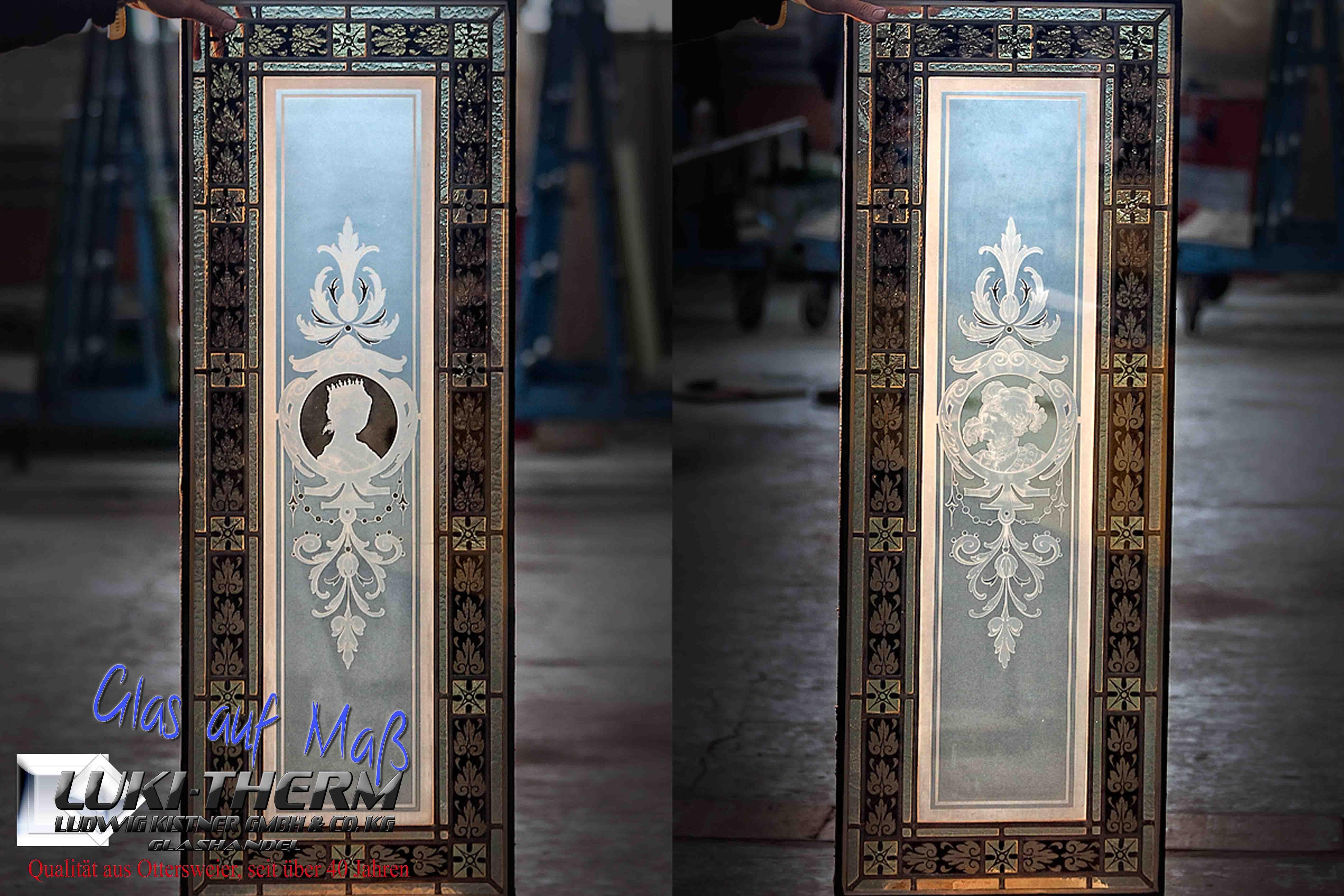 Bleiverglasungen mit Sandstrahlarbeiten kombiniert, fertig für den Einbau in Isolierglas