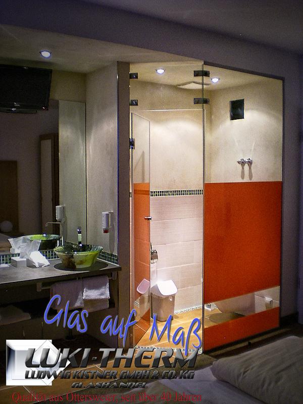 Duschabtrennung mit Siebdruck Aviva Hotel Karlsruhe